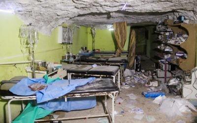 Une chambre de l'hôpital de Khan Cheikhoun, une ville syrienne tenue par les rebelles dans la province d'Idleb, après une attaque chimique présumée, le 4 avril 2017. (Crédit : Omar Haj Kadour/AFP)