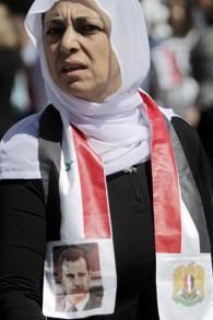 Une habitante druze du Golan pendant une manifestation commémorant l'indépendance de la Syrie, à Massaadeh, le 17 avril 2017. (Crédit : Jalaa Marey/AFP)