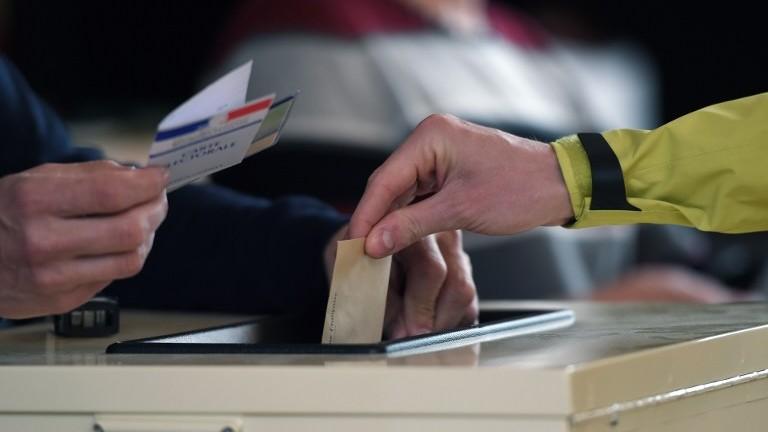 Les français aux urnes pour le premier tour dune présidentielle