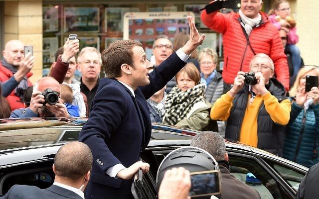 Emmanuel Macron au Touquet, le 23 avril 2017. (Crédit : Philippe Huguen/AFP)