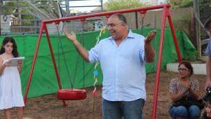 Pinhas Zoaretz, président du conseil régional de Binyamina. (Crédit : Facebook)