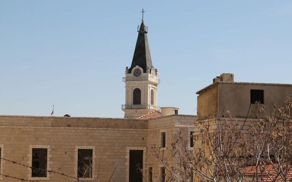 L'église du Saint-Sauveur du quartier chrétien de la Vieille Ville de Jérusalem, dessinée en 1924 par le célèbre architecte Antonio Barluzzi. (Crédit : Shmuel Bar-Am)