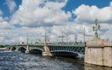Le Pont de la Trinité sur la Néva, à Saint-Petersbourg. Illustration. (Crédit : Alex 'Florstein' Fedorov/CC BY-SA 4.0/WikiCommons)