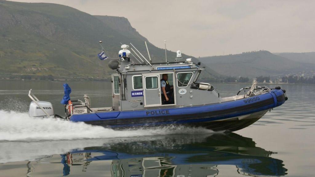 La police tente de retrouver trois jeunes hommes qui ont disparu au lac de Tibériade, le 13 avril 2017. (Crédit : porte-parole de la police)
