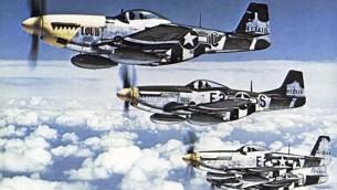 Mustang P-51 en vol. (Crédit : USAAF/Domaine public/WikiCommons)