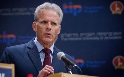 Michael Oren lors d'un débat politique à l'Université Hébraïque de Jérusalem, en mars 2015. (Crédit : Miriam Alster/Flash90)