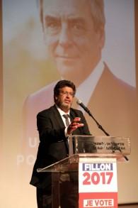 Meyer Habib, député de la 8e circonscription des Français de l'étranger, intervenant lors du meeting de soutien à François Fillon (Crédit : Gideon Markowicz)