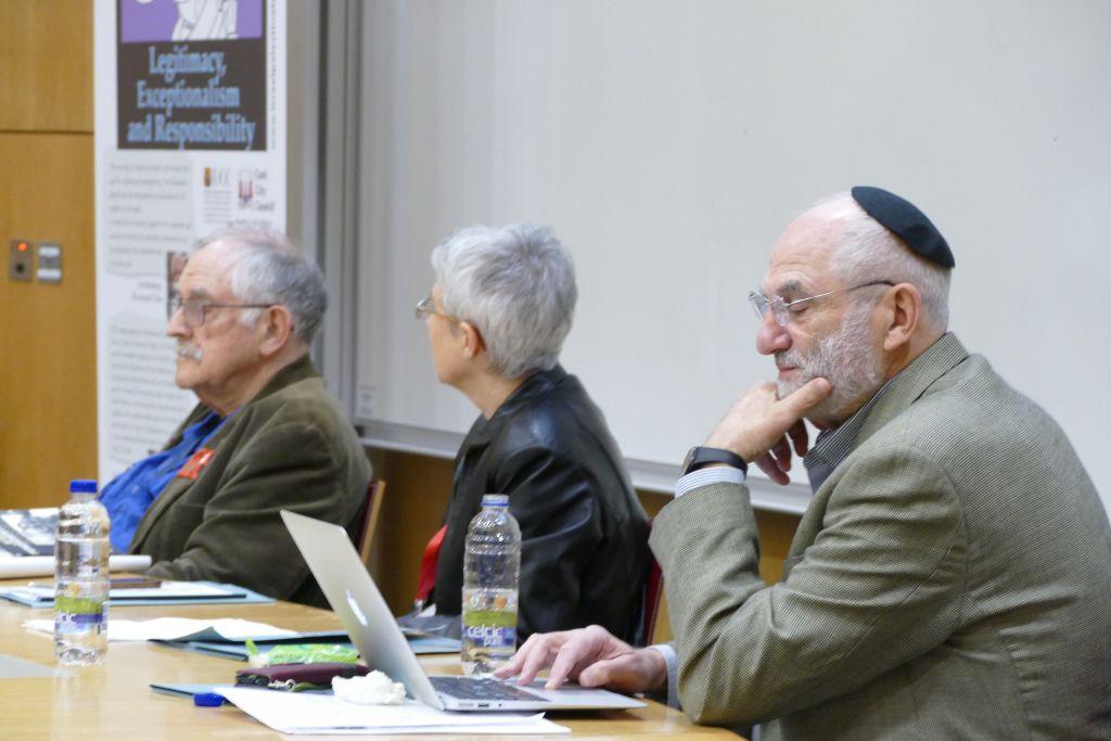 DE gauche à droite : Prof. Haim Bresheeth, Dr. Jacqui O'Riordan, et Prof. Yakov Rabkin, au congrès anti-Israël à l'University College Cork, en Irlande, du 21 mars au 4 avril 2017. (Crédit : autorisation)
