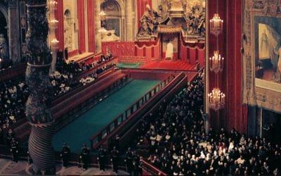 """Le concile de Vatican II, reconnaissant que les Juifs """"sont nos aînés en religion"""" et qu'ils sont """"le peuple à qui Dieu a parlé en premier"""". Un concile, inspiré entre autres par le travail de Jules Isaac (Crédit: Lothar Wolleh/Wikimedia Commons)"""