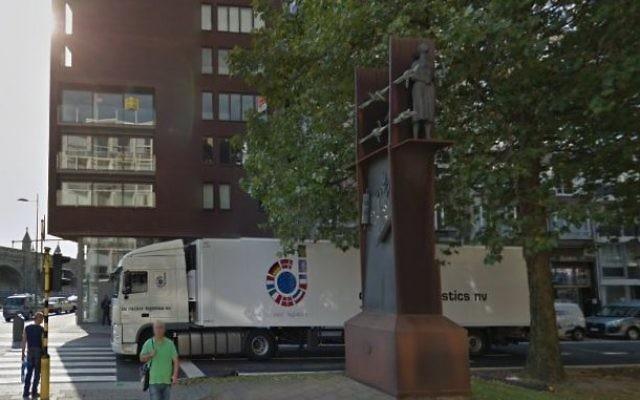 Le monument de commémoration de l'Holocauste sur l'avenue Belgiëlei d'Anvers, en Belgique. (Crédit : capture d'écran Google Street View)