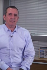 Eyal Waldman, Président et directeur général de Mellanox Technologies Ltd. (Capture d'écran : YouTube)