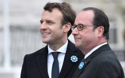 Le président français sortant Francois Hollande, à droite, et son successeur Emmanuel Macron pendant les cérémonies du 8 mai, à Paris, le 8 mai 2017. (Crédit : Stéphane de Sakutin/Pool/AFP)