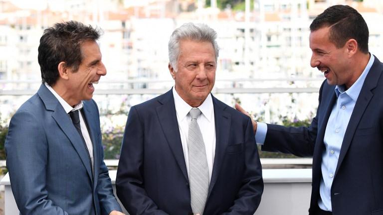 Ben Stiller, Dustin Hoffman et Adam Sandler pendant la promotion du film 'The Meyerowitz Stories (New and Selected)' au 70e Festival de Cannes, le 21 mai 2017. (Crédit : Alberto Pizzoli/AFP)