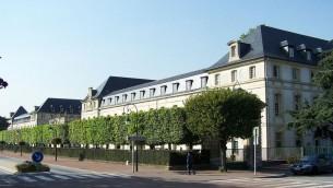 Lycée de la Défense de Saint-Cyr. (Crédit : Henrysalome/CC BY-SA 3.0/WikiCommons)