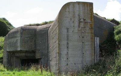 Un bunker allemand sur l'île d'Alderney, dans la Manche. Illustration. (Crédit : Andree Stephan/CC/WikiCommons)