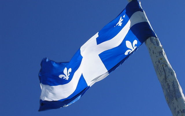 Drapeau du Québec (Crédit : AzertyFab/CC BY SA 3.0)