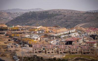 Constructions dans l'implantation d'Efrat en Cisjordanie, le 26 janvier 2017. (Crédit :  Gershon Elinson/Flash90)