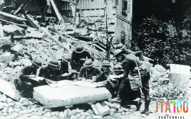 Soldats américains pendant la bataille de la forêt d'Argonne, en France, en 1918. (Crédit : General Photographic Agency/Getty Images/JTA)