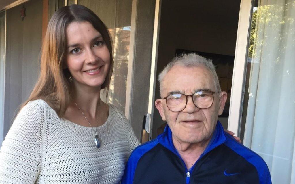 Lea Heitfeld, 31 ans, partage un appartement avec Ben Stern, survivant de la Shoah. (Crédit : autorisation)