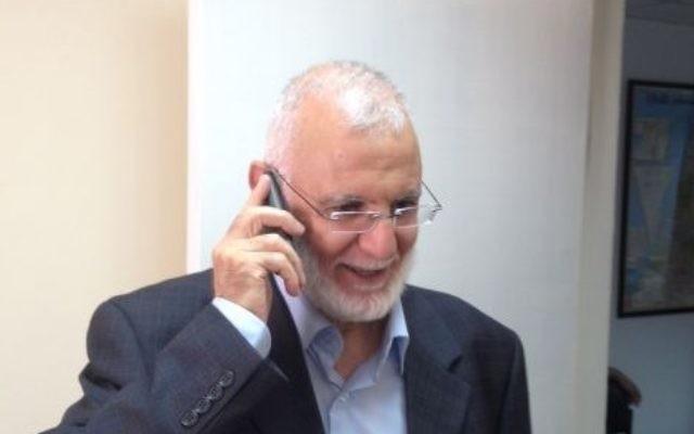 Muhammad Abu Tir, député du Hamas au Conseil législatif palestinien, à Ramallah, le 30 juillet 2015. (Crédit : Elhanan Miller/Times of Israël)