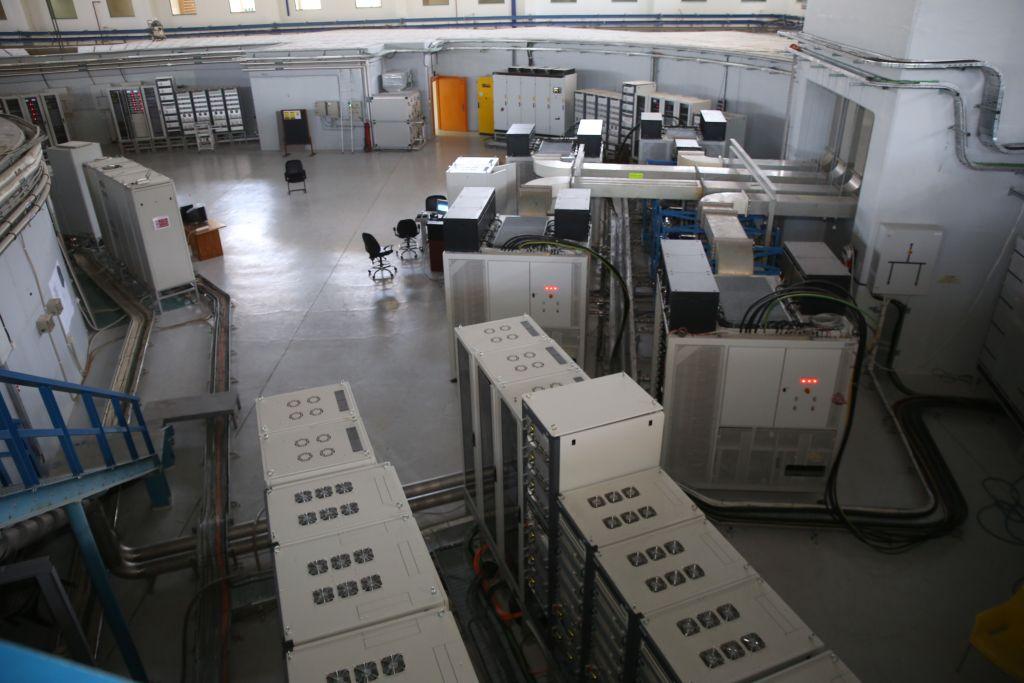 L'intérieur du complexe SESAME à Allan, en Jordanie (Crédit : Fondation Sharing Knowledge)