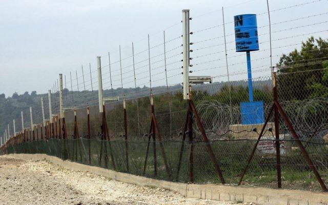 La frontière israélo-libanaise près du kibboutz Hanita, le 22 mars 2017. (Crédit : Judah Ari Gross/Times of Israël)