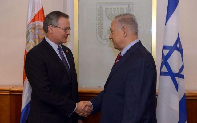 Rencontre entre le Premier ministre israélien, Benjamin Netanyahu, et le ministre des Affaires étrangères costaricain, Gonzalez Sanz, à Jérusalem, Israël, le 18 mai 2017 (Crédit: Haim Zach/GPO)
