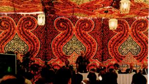 Une tente bédouine à Dahab, en Egypte où en novembre 1995 des scientifiques israéliens et leurs pairs venus de tout le Moyen Orient s'étaient réunis pour débattre de coopération régionale scientifique.