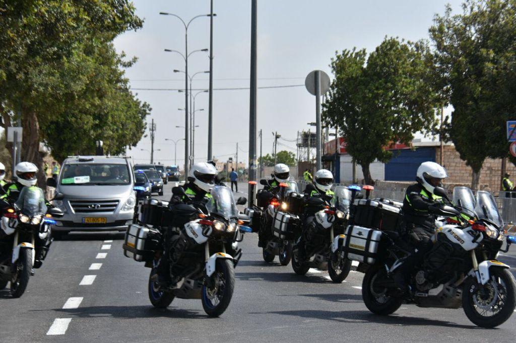Le convoi motorisé du président américain Donald Trump quitte Jérusalem pour Bethléem, le 23 mai 2017. (Crédit : police israélienne)