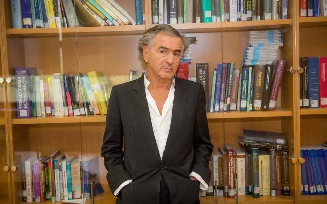 Bernard Henry-Lévy avant sa  conférence à l'Université de Tel-Aviv (Crédit: Chen Damari)