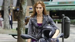 """Gal Gadot dans une scène de """"Fast and Furious"""" (Crédit : Autorisation Universal Pictures)"""