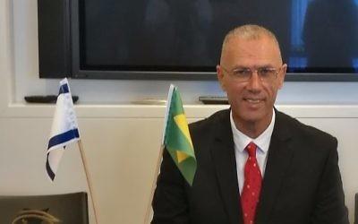 L'ambassadeur israélien au Brésil Yossi Shelley. (Crédit : Twitter)