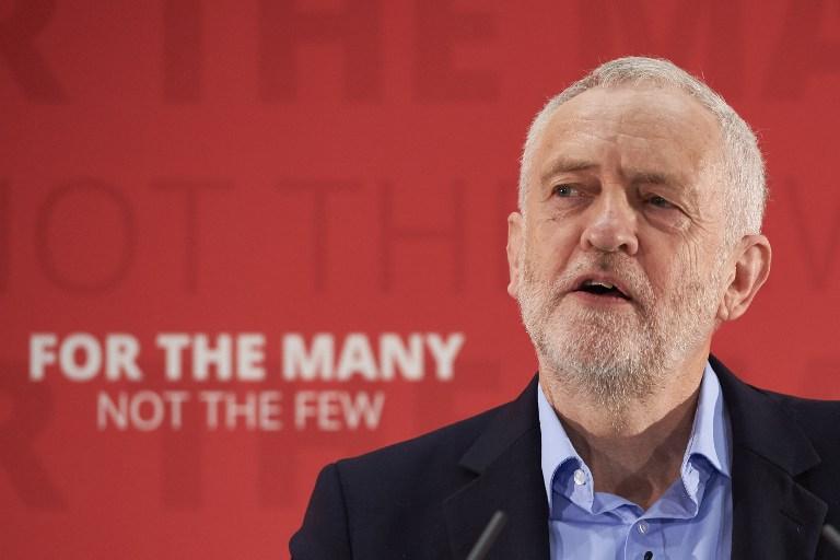 Le chef du parti d'opposition du Labour  Jeremy Corbyn lors d'un discours pour les élections législatives à Londres, le 29 avril 2017 (Crédit : Niklas Hallen/AFP)