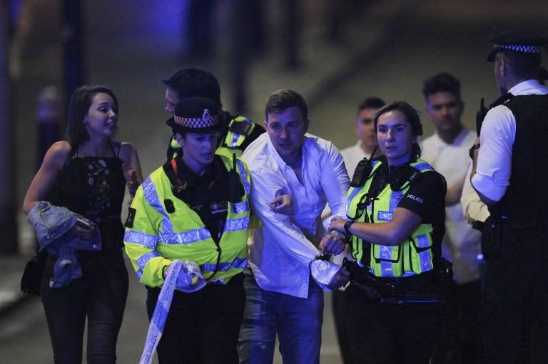 Scène d'une attaque terroriste au London Bridge, dans le centre de la capitale britannique, le 3 juin 2017. (Crédit : Daniel Sorabji/AFP)