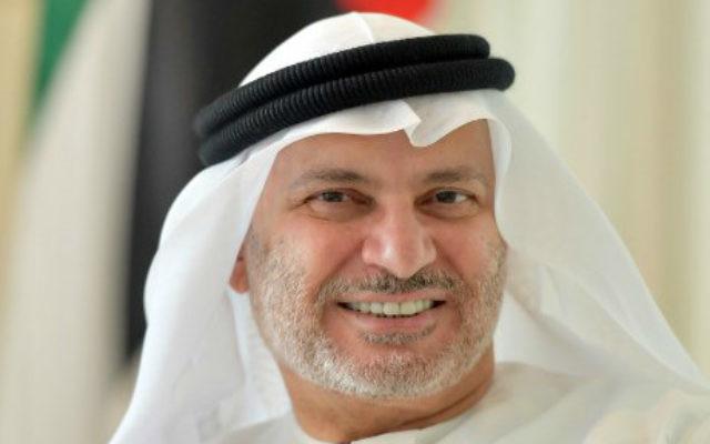 Anwar Gargash, ministre des Affaires étrangères des Emirats arabes unis, à Dubaï, le 7 juin 2017. (Crédit : Giuseppe Cacace/AFP)