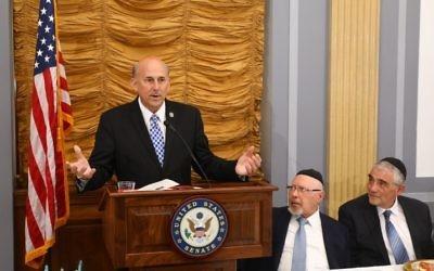Le représentant républicain du Texas Louie Gohmert pendant les 40 ans de l'association israélienne anti-avortement EFRAT, à Washington, le 15 juin 2017. (Crédit : Shmuel Lenchevsky)