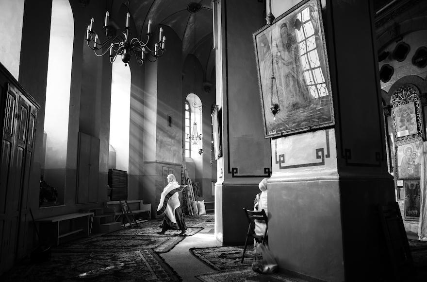 """""""Kidane Mihret, Ethiopian Church Interior"""" par Dor Kedmi (Crédit : autorisation de Karen Lehrman Bloch)"""