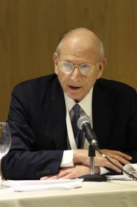 L'ancien ambassadeur et co-président de l'Institut politique du peuple juif Stuart Eizenstat (Autorisation : JPPI)