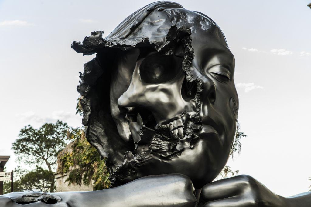 Favoris Philippe Pasqua, dont les sculptures ont fait le tour du monde  EY68