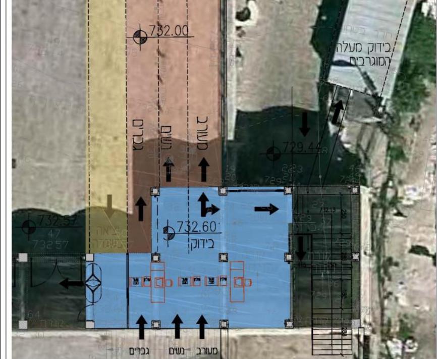 La section pluraliste, en bleu, doublerait de taille en passant environ à 900 mètres carrés. La section orthodoxe, en violet, s'étalerait sur 2000 mètres carrés. Le secteur qui se situe derrière la section orthodoxe concernerait les cérémonies nationales (Crédit : JTA)