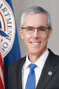 L'ancien chef de l'Administration américaine de la sécurité des transports, Peter Neffenger (Crédit : Transportation Security Administration / Wikimedia)