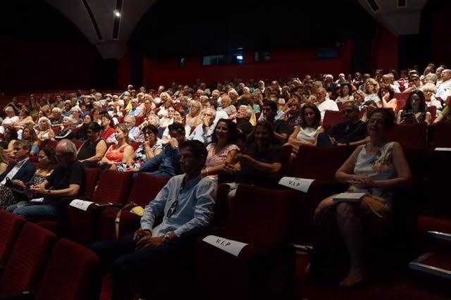 """La projection organisée pour """"HHhH"""" a fait le plein à la cinémathèque de Tel Aviv, en juin 2017. (Crédit : Camille Goldman)"""