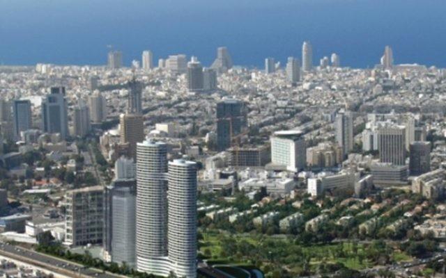 Les immeubles de bureau de Tel-Aviv accueilleraient des centaines de bureaux consacrés à l'industrie frauduleuse de diamants d'investissement, et aujourd'hui de vente de Bitcoins. Aussi loin que l'œil peut voir : la vue de Tel-Aviv depuis l'observatoire d'Azrieli (Crédit : Autorisation)