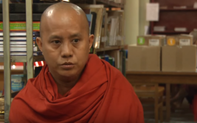 Le moine bouddhiste Wirathu, qui appelle à l'extermination des Rohingyas, la minorité musulmane de Birmanie. (Crédit : capture d'écran Youtube/AFP)
