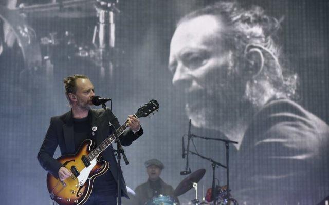 Le leader de Radiohead Thom Yorke sur la scène principale du festival de musique de TRNSMT de  Glasgow le 7 juillet 2017 (Crédit : Andy Buchanan/Digital/AFP)