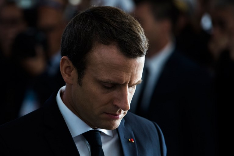 Emmanuel Macron lors du 75e anniversaire de la rafle du Vel d'Hiv, le 16 juillet 2017. (Crédit : Kamil Zihnioglu/Pool/AFP)