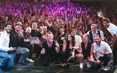 Les humoristes du premier festival du rire de Tel Aviv, le Tel Aviv Comedy Club, le 6 juillet 2017 (Crédit : Eliora Efrati/autorisation Emmanuel Smadja)