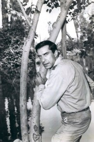 """Martin Landau joue Rollin Hand dans """"Mission:Impossible"""", en mai 1969. (Crédit : Paramount Television/domaine public/WikiCommons)"""