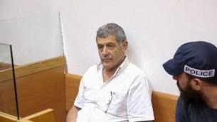 Miki Ganor devant la cour des magistrats de Rishon Lezion, le 10 juillet 2017. (Crédit : Moti Kimchi/Pool)