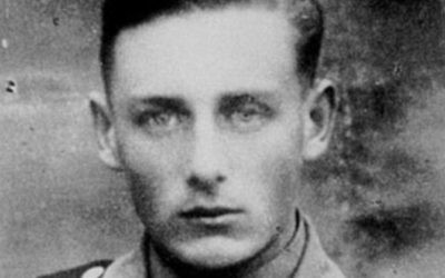 Helmut Oberlander à l'époque où il servait d'interprète pour les nazis dans l'unité 10a des Einsatzkommando (Crédit : CIJA)